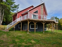 424 / (424) Stimears Lake, Luxury Waterfront Cottage!