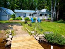189 / (189) Benoir Lake. Nice home-like cottage with GREAT waterfront, and large yard! Fun for families!