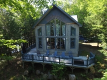 390 / (390) Wollaston Lake. (Rents FRIDAY-FRIDAY) Very Private as the cottage is on a point!