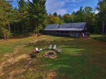 318 / (318) Country Cottage with amazing Privacy on Benoir Lake!